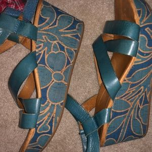 NAYA Sandals- wedges